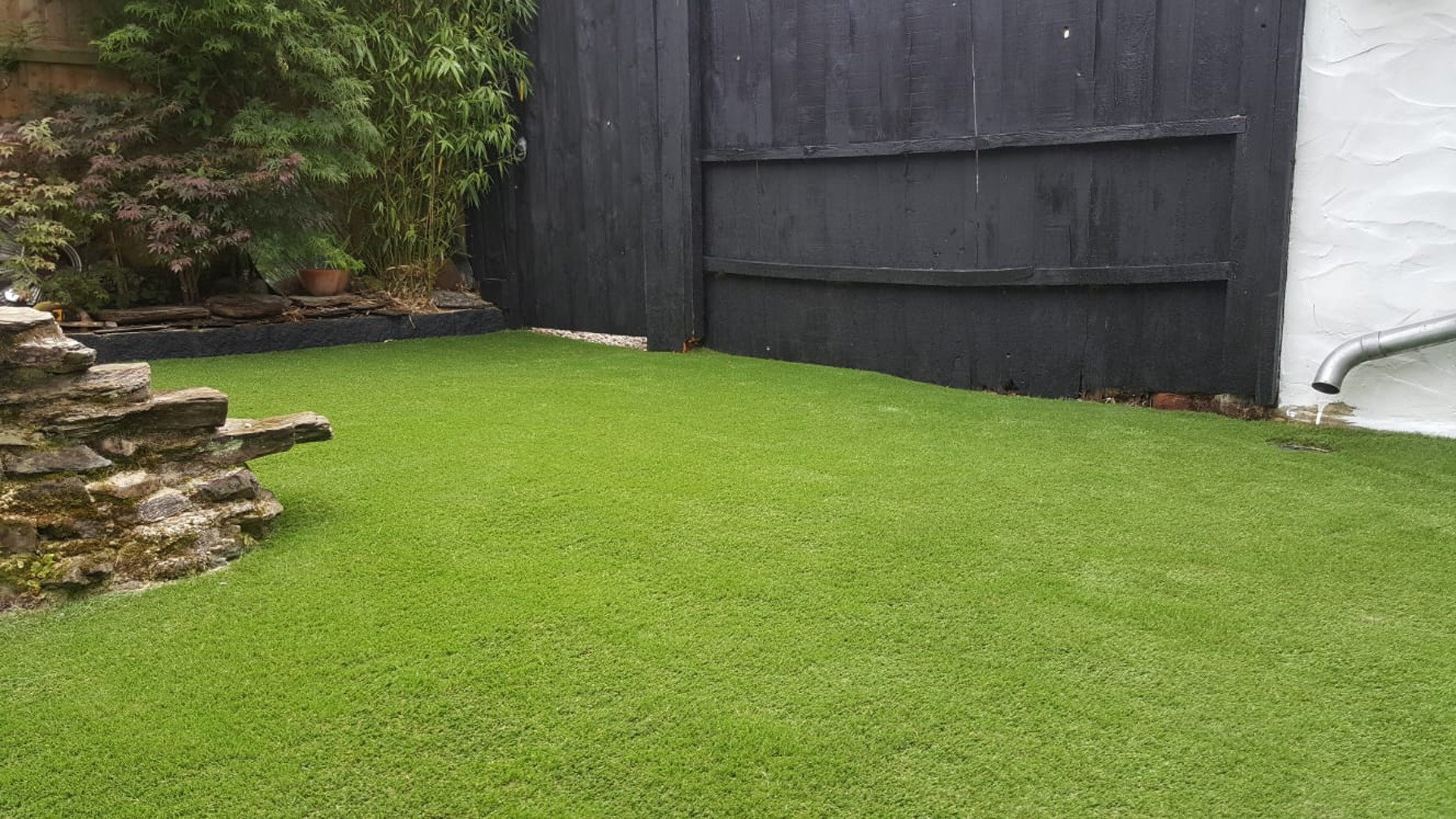 AGI artificial grass - Easy Garden alternative