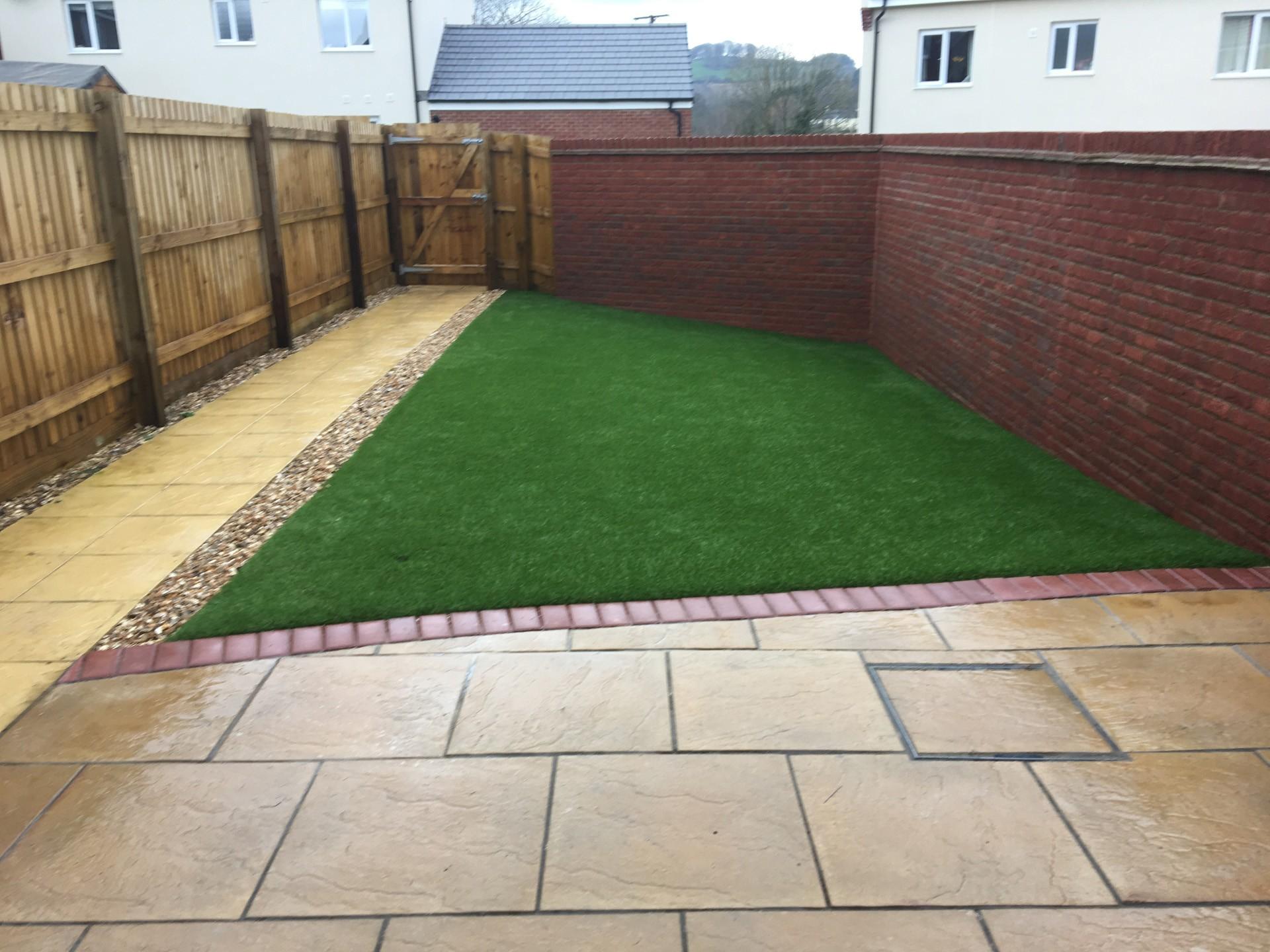 AGI Artificial Grass - Easy garden
