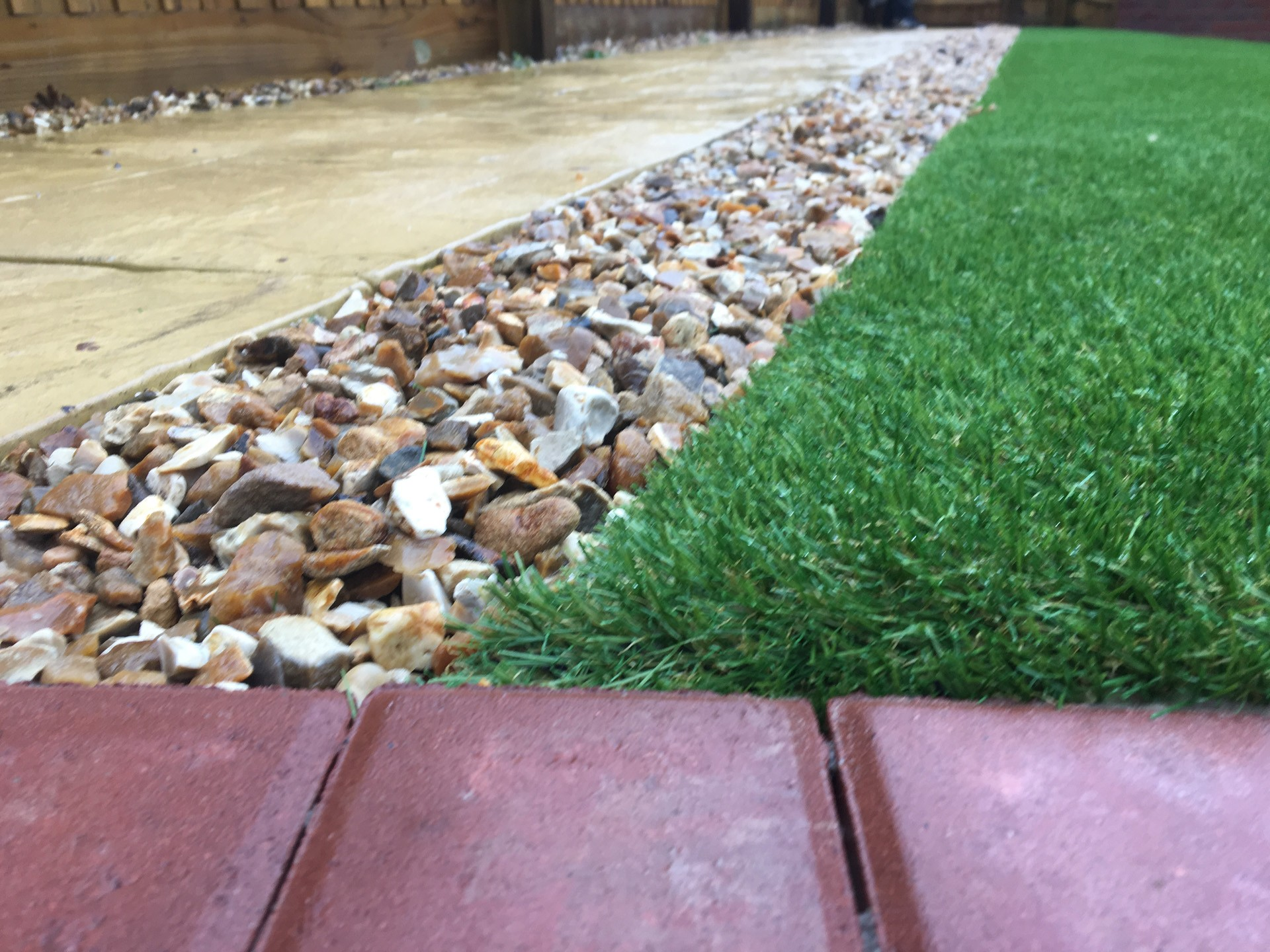 AGI Artificial Grass - Easy garden Macro