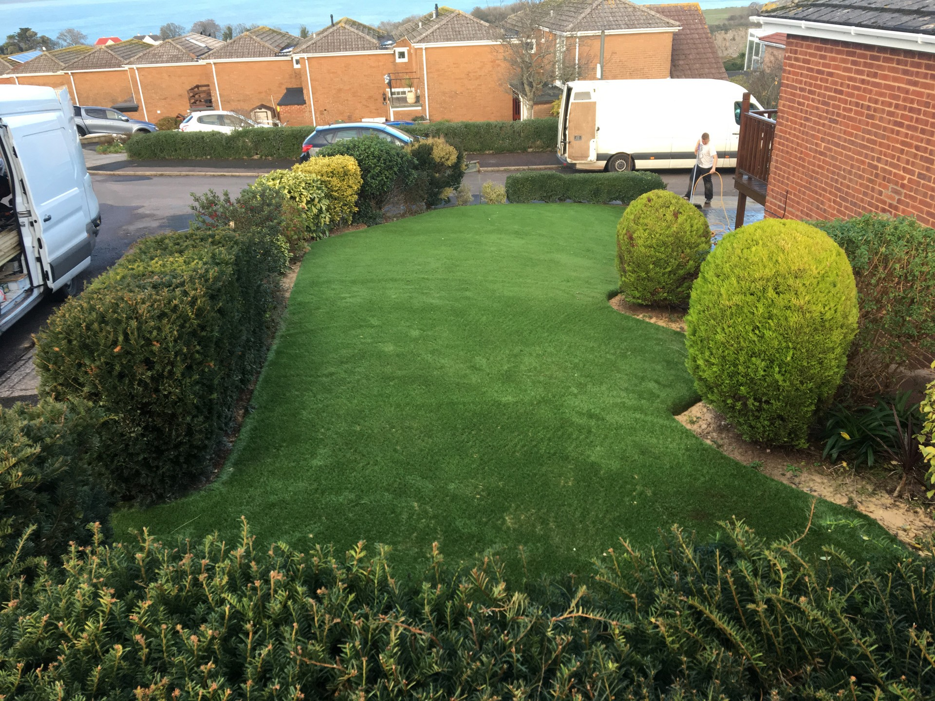 AGI Artificial Grass Easy Clean Gardens