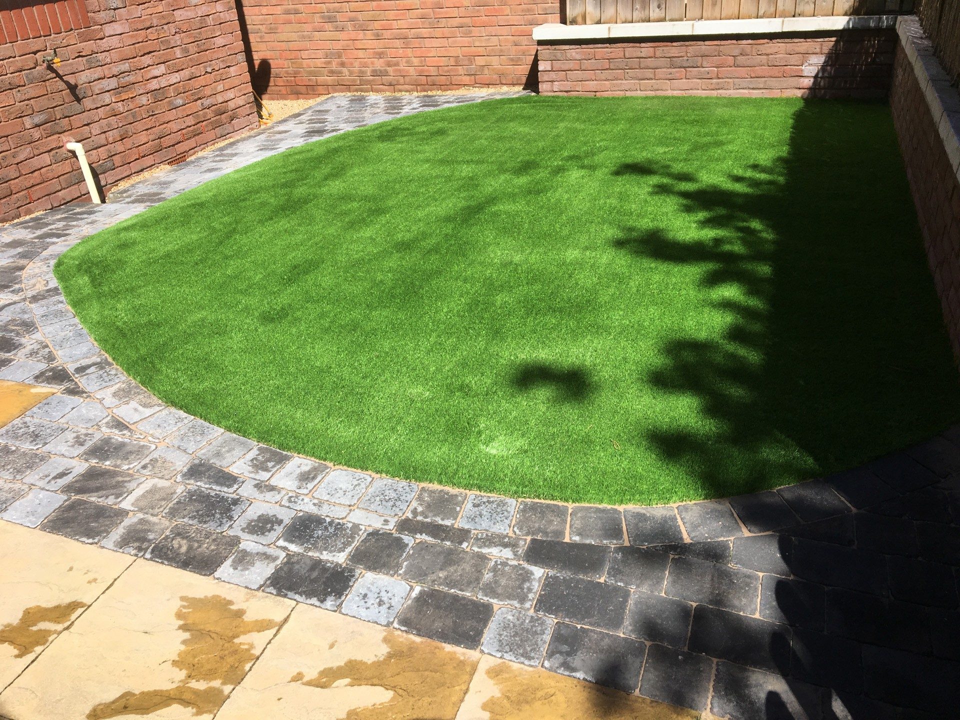 AGI Artifical Grass Garden Accent