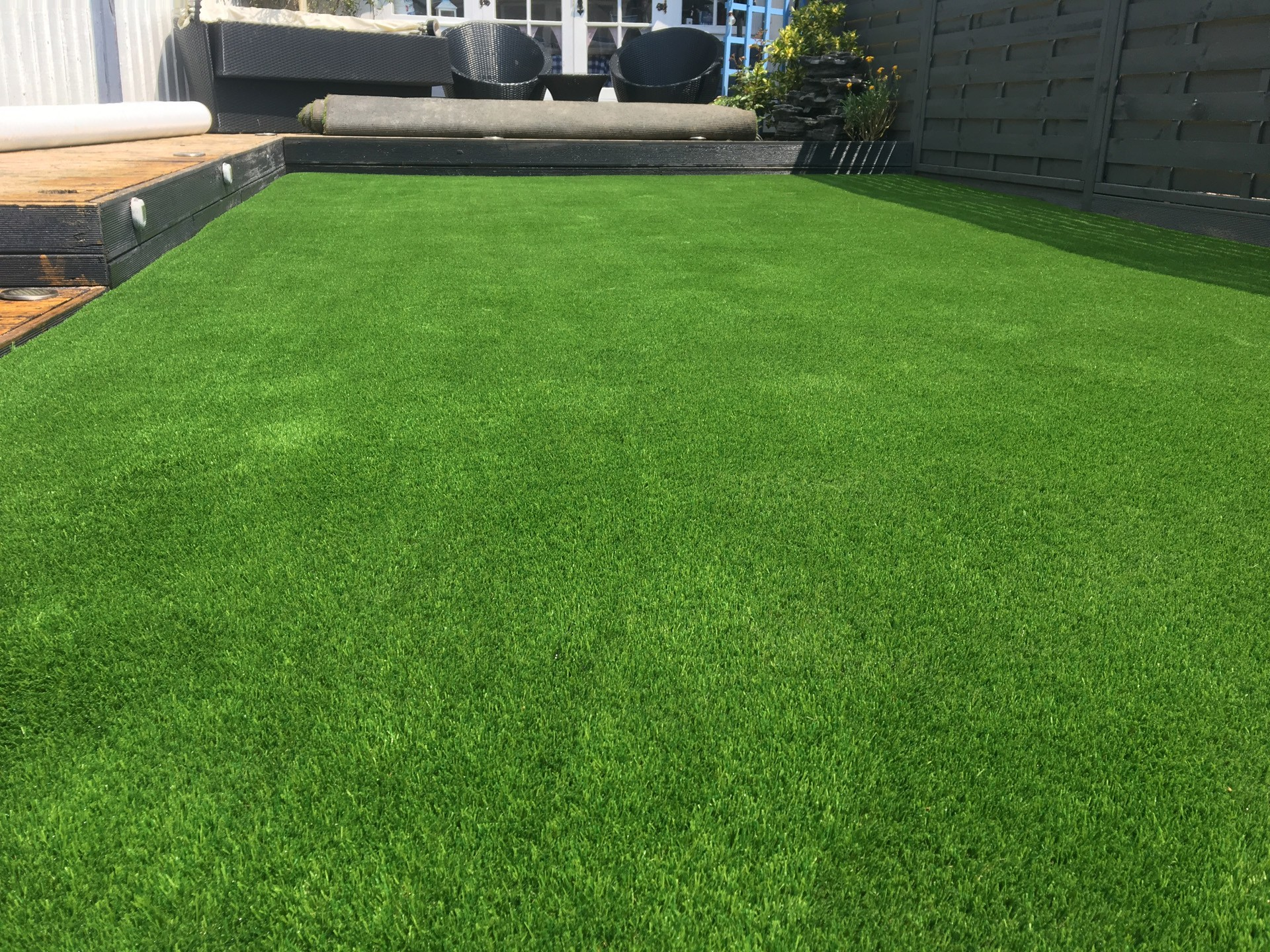 AGI perfectly green artificial grass