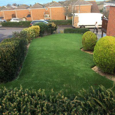 AGI Artificial Grass Easy Clean Gardens